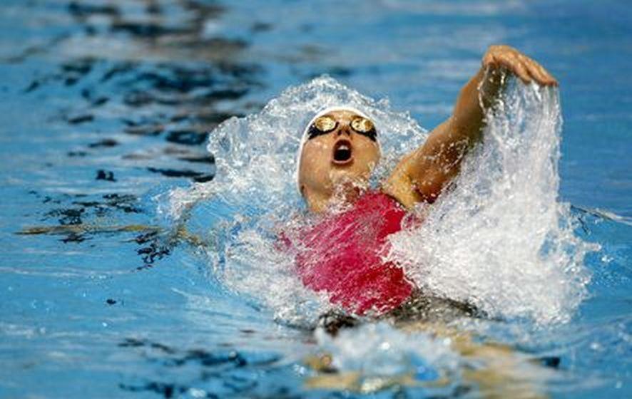 Netánja, 2015. december 4. Hosszú Katinka a netánjai rövidpályás úszó Európa-bajnokság nõi 200 méteres hátúszásának döntõjében 2015. december 4-én. (MTI/EPA/Abir Szultan)