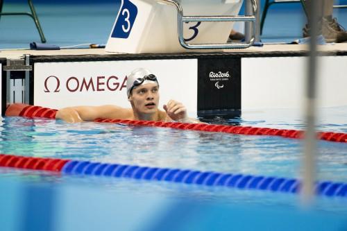 Rio de Janeiro, 2016. szeptember 13. Tóth Tamás a célban az S9-es kategória 100 méteres gyorsúszásának döntõjében a riói paralimpián az Olimpiai Uszodában 2016. szeptember 12-én. A magyar versenyzõ a harmadik helyen végzett. MTI Fotó: Koszticsák Szilárd