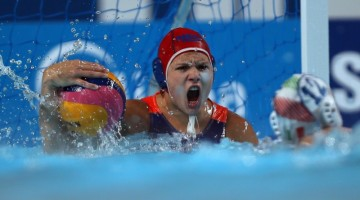 2015-08-05 18:27:45 Laura Aarts of Netherlands holds the ball  during the women's  water polo semi-final match Italy vs Netherlands at the 16th FINA World Championships on August 5, 2015 in Kazan, Russia. AFP PHOTO / ROMAN KRUCHININ