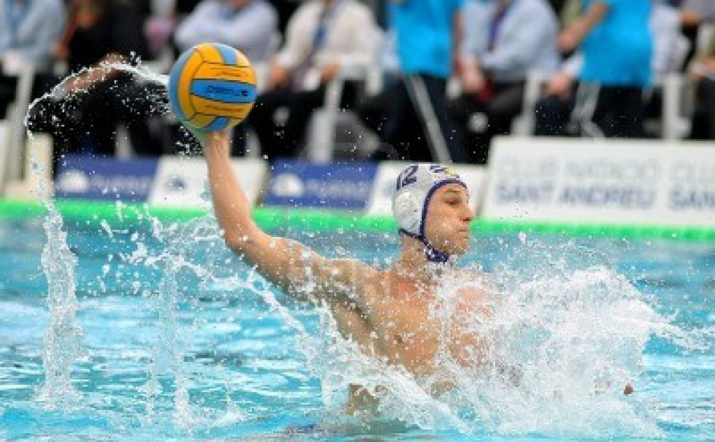 15509084-serbian-waterpolo-player-marko-petkovic-of-cna-barceloneta-in-action-during-the-spanish-kings-cup-fi-1024x634