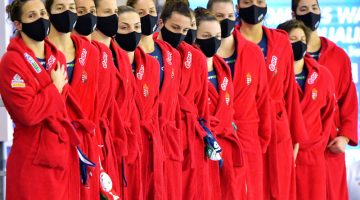 Ötkarikás sütivel fogadták a tokiói olimpiára kijutott nőivízilabda-válogatottat
